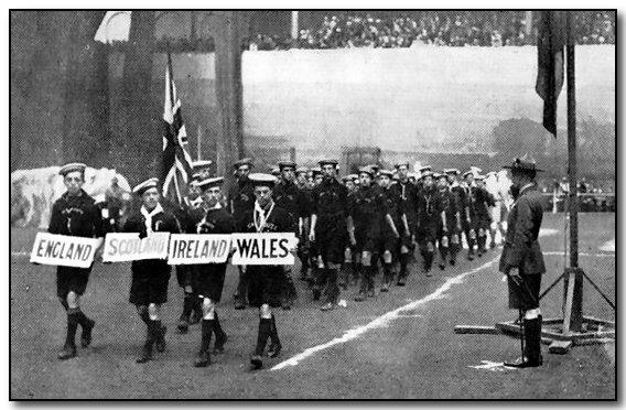 1920-wj1-british-sea-scouts.jpg (64025 bytes)