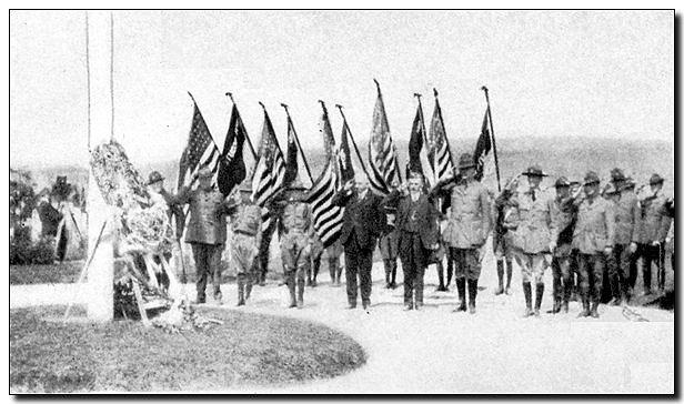 1920-wj1-salute.jpg (60603 bytes)